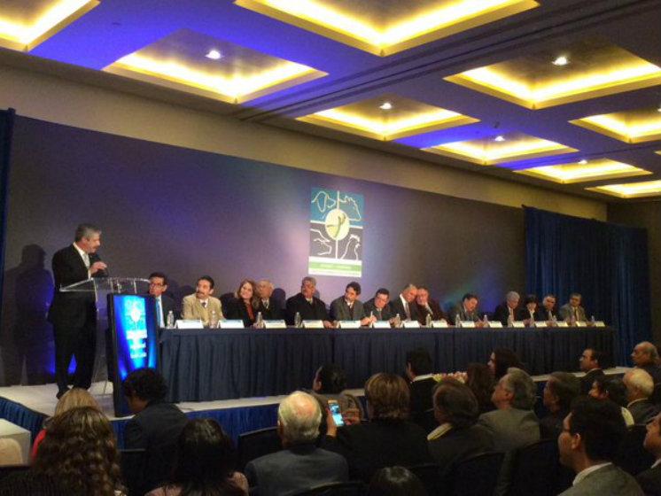 Industria Farmacéutica Veterinaria en plan estratégico de crecimiento con la Secretaría de Economía