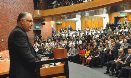 Fajardo Dolci traza cinco ejes de trabajo al frente de la Facultad de Medicina UNAM