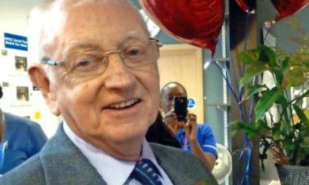 Muere John McCafferty, el mayor sobreviviente de trasplante de corazón en el mundo