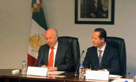 Narro Robles da posesión al cargo a Sánchez y Tépoz como titular de la COFEPRIS