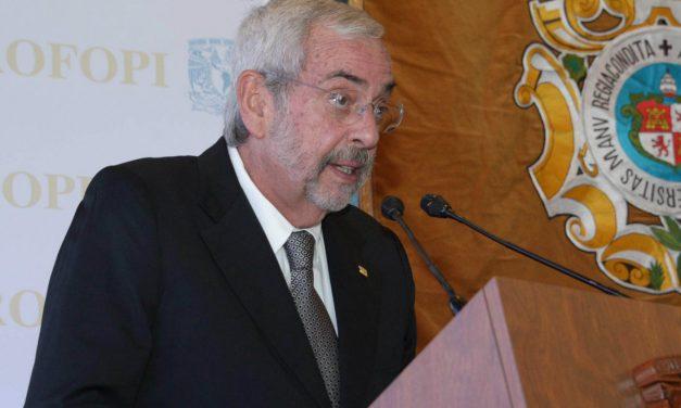 Apoya rector Graue iniciativa para uso médico y científico de la marihuana